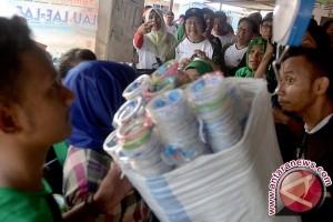 Warga Gorontalo Daur Sampah Plastik Guna Dijual