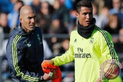 Ronaldo Kembali Berlatih Setelah Cedera