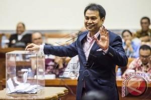 Aziz Syamsuddin Siap Maju Calon Ketua Golkar
