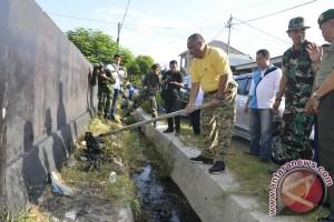 Gubernur Gorontalo Turun Langsung Berantas Sarang Nyamuk