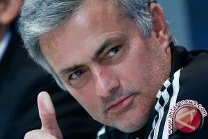 Manchester United kontrak Jose Mourinho selama tiga tahun