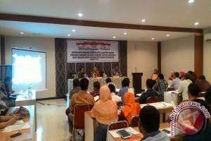 KPU Boalemo Praktekan Studi Kasus Di Bimtek