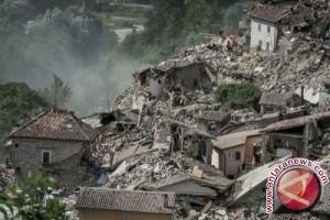 Italia tetapkan keadaan darurat di daerah tertimpa gempa