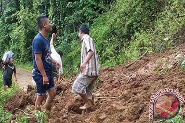 Warga Manado Meninggal Karena Tanah Longsor