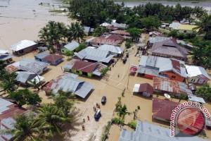 Banjir Bandang Terjadi Di Lima Kabupaten