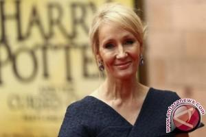 JK Rowling dukung Johnny Depp main di sekuel Fantastic Beasts