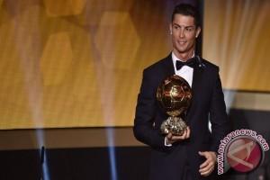 Ronaldo Terpilih Pemain Terbaik FIFA 2016