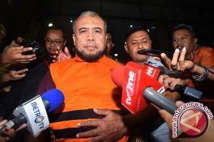 Patrialis Akbar mengaku siap disidang