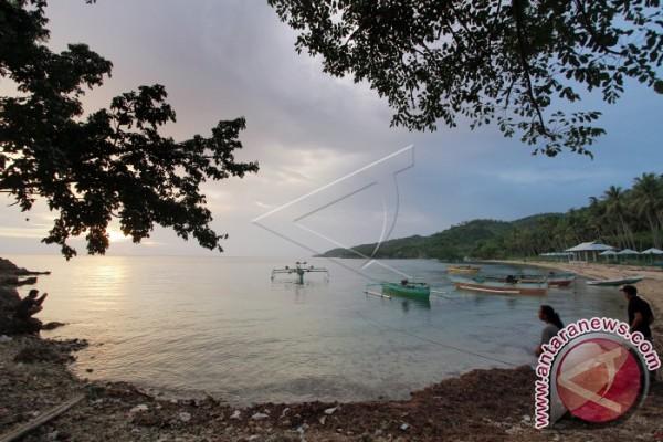 Dispar Bone Bolango Kembangkan Wisata Pantai Pinomontiga