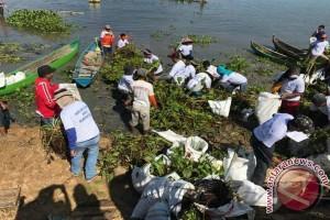 Ratusan Peserta Ikuti Lomba Bersihkan Danau Limboto