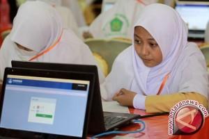 UNBK Di Gorontalo Gunakan Laptop Pinjaman