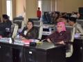 Tampak sejumlah Anggota DPRD Gorontalo Utara Fatrah Bobihoe(Kiri),  Rina  Polapa (Kanan) saat mengikuti rapat Paripurna DPRD
