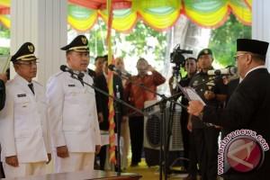 Gubernur Gorontalo Lantik Bupati/Wabup Boalemo