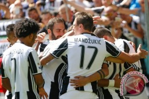Juventus menang 2-0 atas Olympiakos berkat Higuain