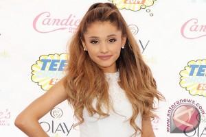 Ariana Akan Adakan Konser Bagi Korban Pengeboman Manchester