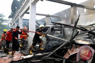 Kebakaran RSAS, Satu Orang Meninggal, 10 Mobil Ambulans Terbakar