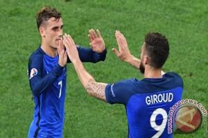 Giroud Bawa Prancis Kalahkan Paraguay