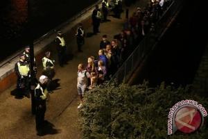 """Tiga rumah sakit London """"mengunci diri"""" pasca serangan Jembatan London"""