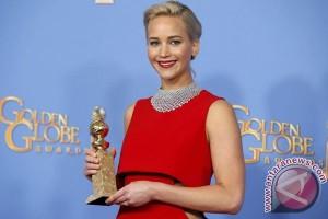 Jennifer Lawrence selamat dari pendaratan darurat