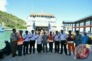 Pelabuhan Gorontalo Kurangi Beban Kendaraan Roda Empat