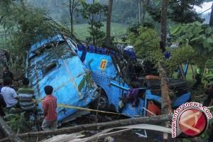 Menhub tugaskan KNKT meneliti kecelakaan bus Rosalia Indah