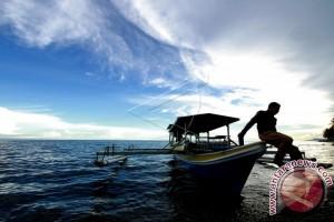 Warga Kunjungi Pantai Botutonuo Pada Libur Lebaran