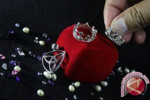 Cara sederhana rawat perhiasan perak agar terjaga kilaunya