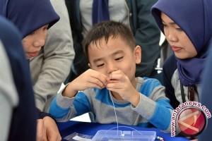 Cara membedakan gejala autisme dengan telat bicara pada anak