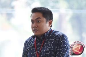 Anak Bupati Klaten menolak bersaksi untuk ibunya