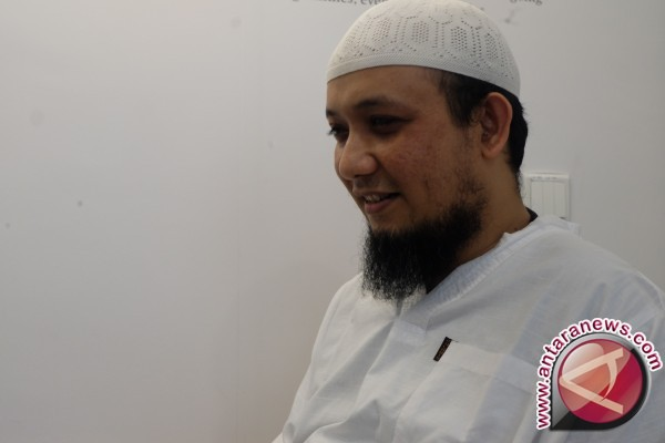Cerita kedekatan Novel dan masjid negeri tetangga