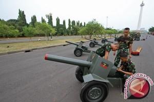 17 tembakan meriam saat peringatan Detik-detik Proklamasi Kemerdekaan