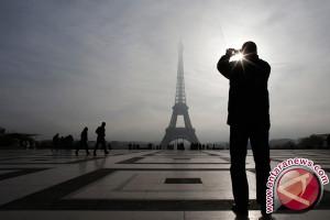 Eiffel padamkan lampu untuk korban serangan Las Vegas