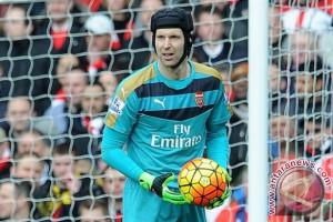 Giroud: Arsenal 'berutang' kemenangan Liga Europa kepada Petr Cech