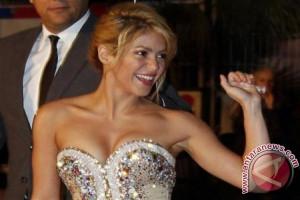 Shakira tunda tur dunia