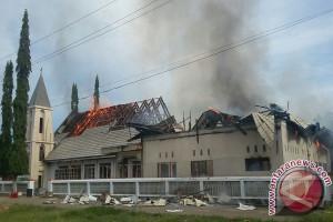 Diduga Korsleting Listrik Gereja GPIG Bethel Terbakar
