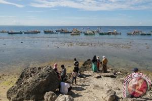 75 Perahu Ramaikan Parade Walima Laut Gorontalo