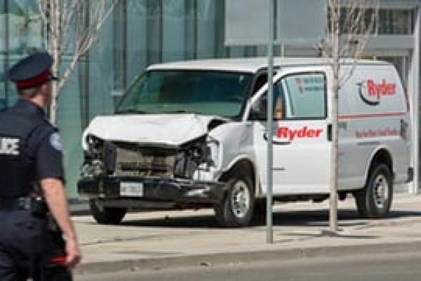 Mobil Tabrak Pejalan Kaki di Torontalo, 9 Tewas