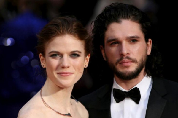 """Pasangan """"Game of Thrones"""" Menikah Bulan Depan"""