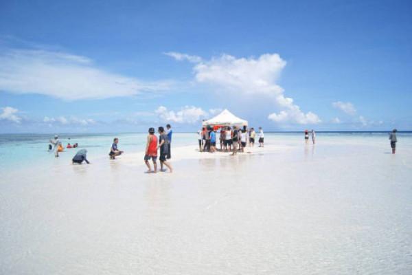 """Pasir Timbul"" Destinasi Wisata Bahari Baru Manado"