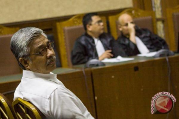 Pengadilan Tinggi Perberat Hukuman Mantan Gubernur Sultra