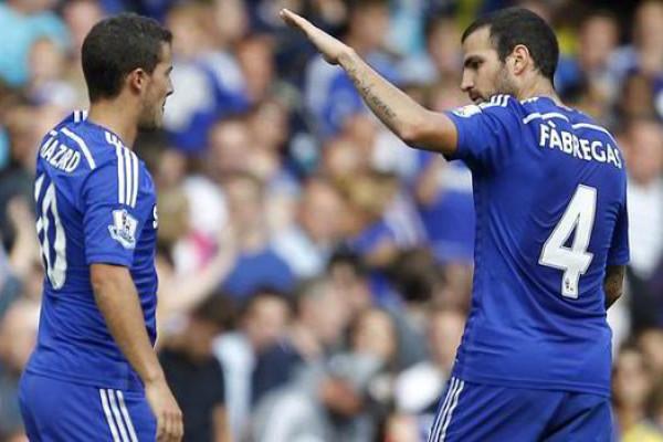 Fabregas Mohon Hazard Bertahan di Chelsea