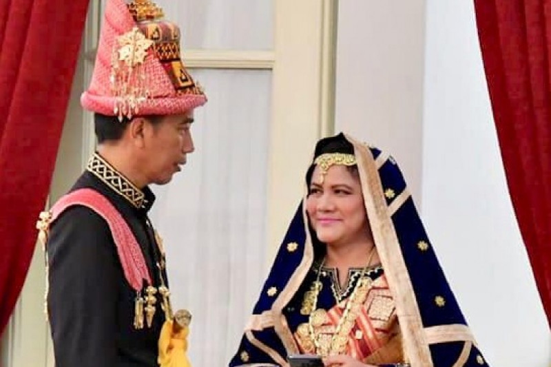 Jokowi Kenakan Busana Aceh di HUT RI