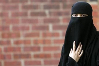 Denmark Pertamakali Denda Wanita Bercadar