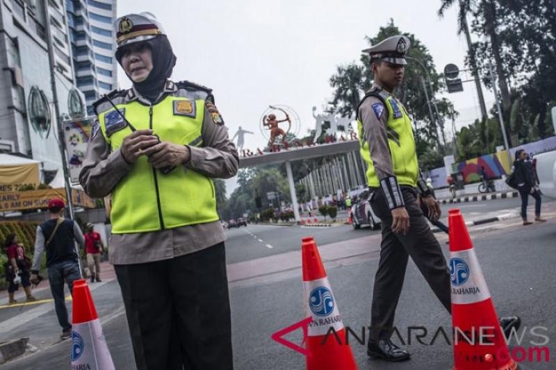 Ratusan Polisi Berjaga Di Sekitar Kantor KPU Pusat