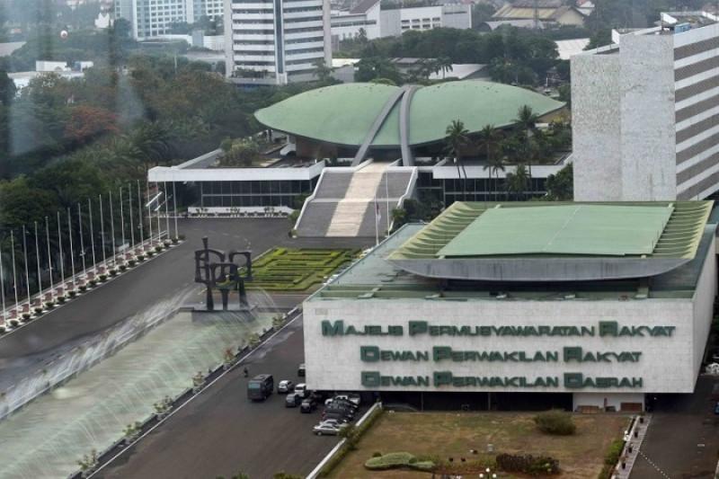 DPR Wacanakan Pasang Kaca Anti Peluru