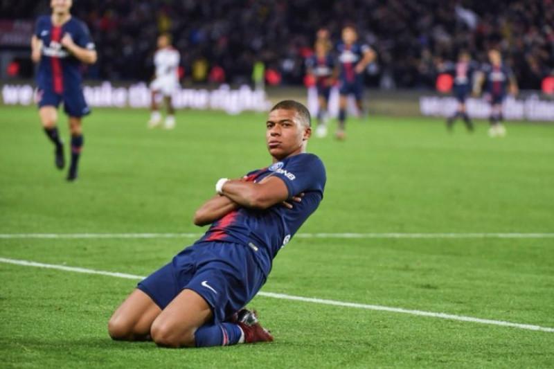Buffon Dukung Mbappe Menangi Ballon d