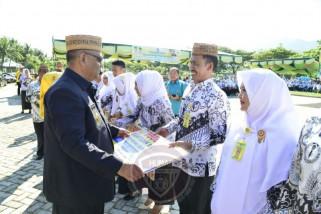 Pemprov Gorontalo Beri Umroh Gratis Seorang Guru