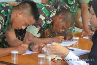 Ratusan Prajurit TNI-AD Jalani Tes Urine