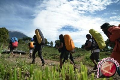 Pendaki Gunung Kerinci diimbau gunakan pemandu lokal