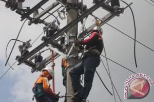 PLN Muarabulian tambah jaringan tegangan rendah